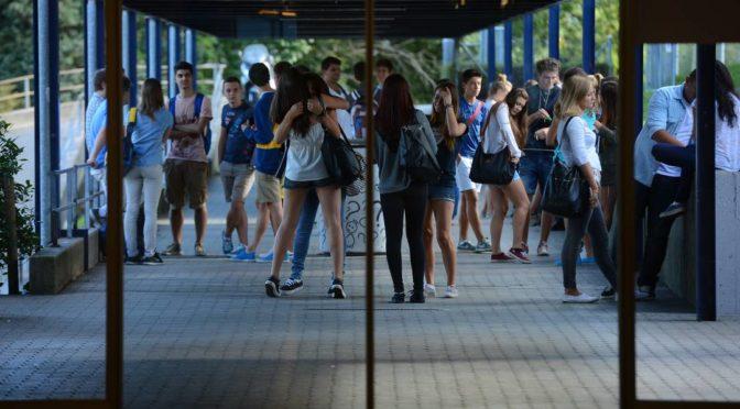 Gli studenti sconfessano il Consiglio Cantonale dei Giovani: un chiaro NO alla malacivica.