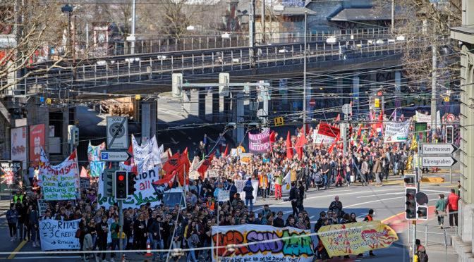 """Manifestazione nazionale a Berna: """"In rivolta per l'istruzione!"""""""