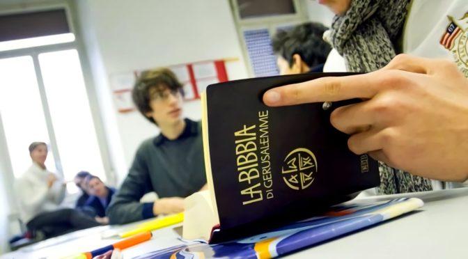Religione a scuola: basta compromessi al ribasso con la Curia!