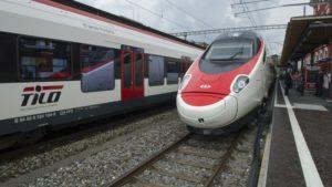 Consegna delle petizioni contro la riduzione dell'offerta ferroviaria verso Oltregottardo @ Cancelleria dello Stato