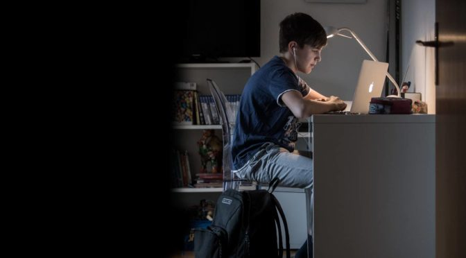 Meglio un docente o un computer? Appunti sui pericoli della scuola digitale
